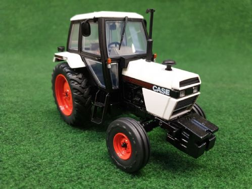 Case 1494 2wd White (1:32 Scale)